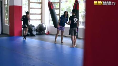 泰拳女拳王励志短片《宅类的反击》