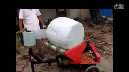 喂牛用的草料怎样发酵储存玉米秸秆青贮打包储存机械视频