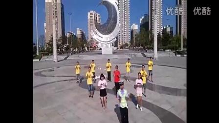 广场舞蹈视频大全2015 《小苹果》筷子兄弟mv原版