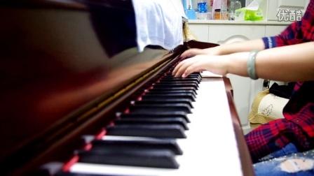 阳阳千亿国际官网演绎钢琴曲,五弹连发!五弹之第二弹kiss the rain!