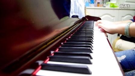 阳阳千亿国际官网演绎钢琴曲,五弹连发!五弹之第三弹 run away with me!