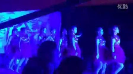 江苏沭阳新河龙艳健身队广场舞舞动中国变形队8人变形比赛第一名