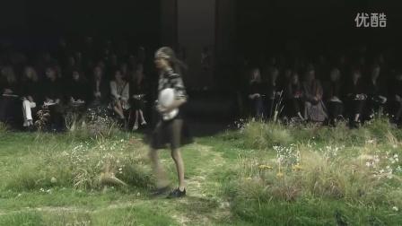 2016春夏(S/S)巴黎时装周Moncler Gamme Rouge品牌时装发布会