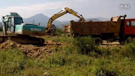 挖机装车视频 -挖机装车