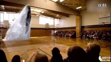 好棒!在体育馆展示3D全息投影技术!