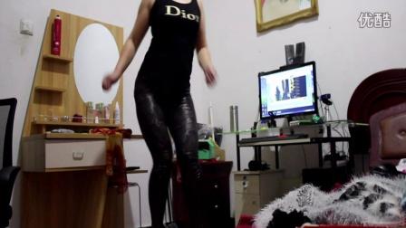 点击观看《玉美人广场舞 性感广场舞 DJ慢摇舞曲》