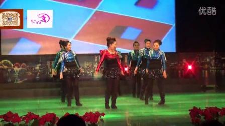 点击观看《美久广场舞 天下的姐妹 比赛演出广场舞视频》