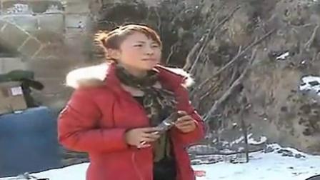 陕北农村婚礼上的歌手_标清