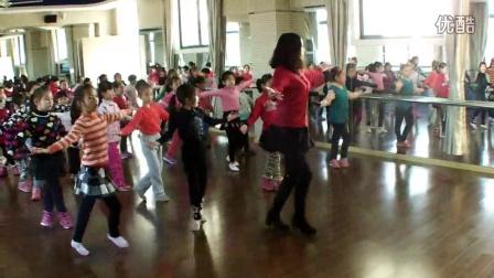 点击观看《少儿舞蹈 学习 零度桑巴》