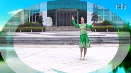 点击观看《榕城舞魅广场舞 纳木错湖 编舞:春英》