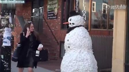 视频  第三季第5集-街头雪人恶搞路人