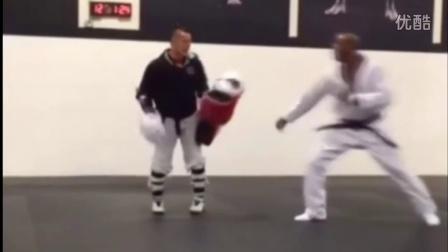 跆拳道竞技训练 实战假动作应用