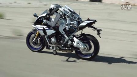 雅马哈发布摩托车机器人-Motobot