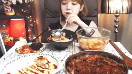 韩国afreeca美女主播Shoogis直播吃饭-直火烤猪肉、火腿鸡蛋卷、豆腐脑