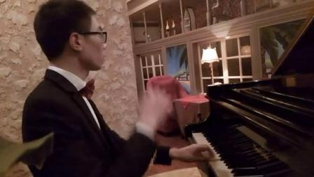 你的心河(三角钢琴)_tan8.com