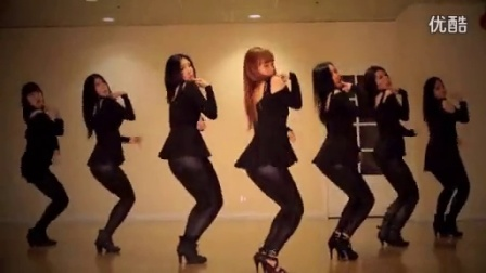 韩国美女惹火热舞自拍