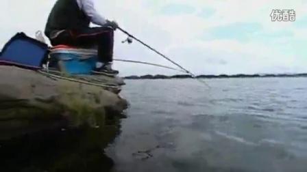 冬季海竿串钩钓鲫鱼