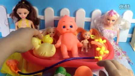 芭比娃娃水舞珠珠可爱宝贝洗澡澡 芭比公主动画片中文版 小公主苏菲图片