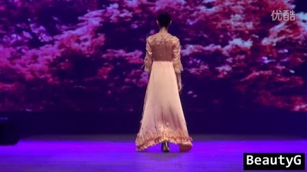 【wwefans2009】性感蕾絲身緊身內衣會展模特走秀2