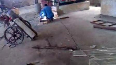 杭州汙泥烘幹機安裝完勝 試機