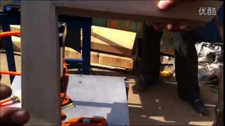 十字绣框打钉机1 中牟县相框拼角机器 钉角机厂家直销 裱框钉框机器