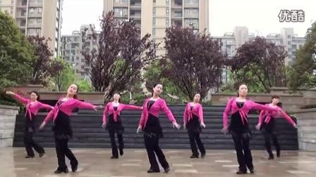 广场舞小小新娘花糖豆广场舞火火的姑娘