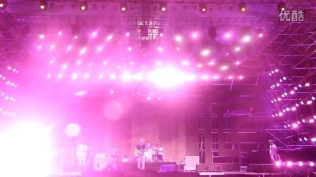 音乐节现场-鹏泊--啷个哩个啷