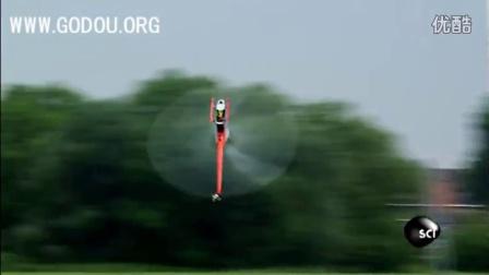 瑞士的一个3D特技直升机飞手表演