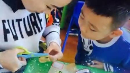 万誉幼儿园亲子活动:树叶贴画🌲