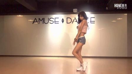大胸美女视频jk8 韩国热舞视频
