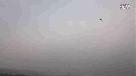 2016最新軍事視頻直播_【藤纏樓】碉堡了!令人難以置信的遙控直升飛機控制技巧_標清sr0_著名的軍事評論員