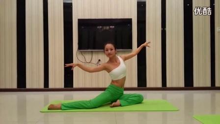 高温瑜伽(白皙丰满少妇在家练)阴瑜伽