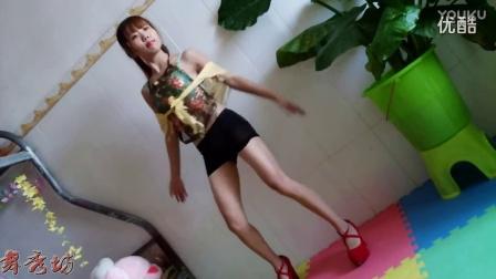 舞秀坊 性感良家美女宿舍DJ热舞视频舞曲MV超清极品身材诱惑撸椅子舞