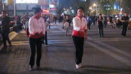 海寰宇广场好兄弟花式跳绳俱乐部姐妹俩单绳双舞视频广场映山红图片