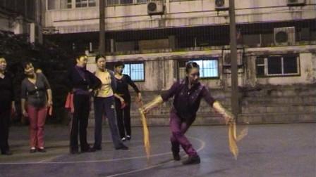 张惠萍教学竹板舞蹈舞满堂红20111102a教学师图解.图片