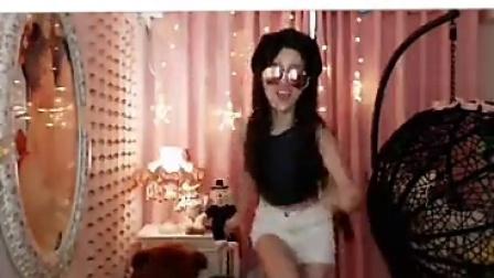 美女主播热辣舞曲。