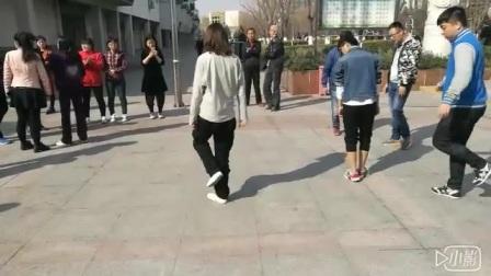 小螃蟹步教学