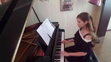 薛之谦暧昧钢琴演奏  李尼尔_tan8.com