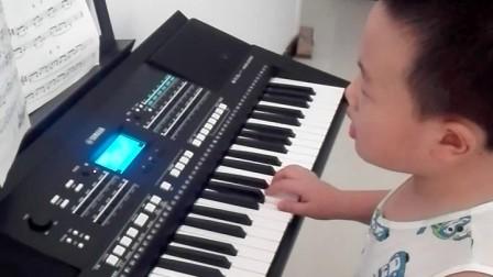 董雨澤的電子琴彈奏《在阿維翁大橋上》。