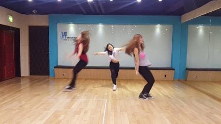 「公众号麻辣音乐君」JYP新人女子组合SIXTEEN舞蹈