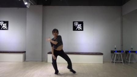 开设:专业钢管舞,酒吧平台领舞,酒吧慢摇,性感mv热舞(椅子秀,独秀