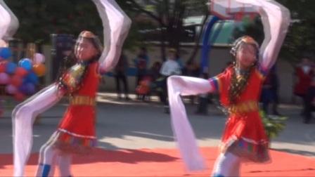 给吉埠小孩的孩子编排的舞蹈小学甩视频图片