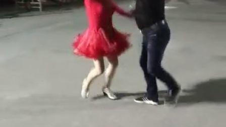 梅岙舞蹈队云眉志文表演三步踩ABC第二套