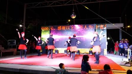 20171028_203434福建泉州东边舞蹈队(雪山姑娘)