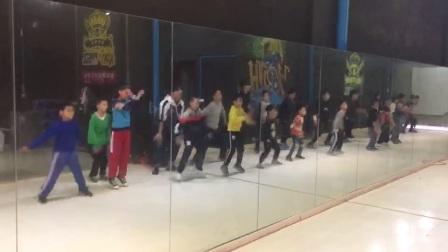 赣州市南康皇海舞蹈明星学院东山校区街舞提高