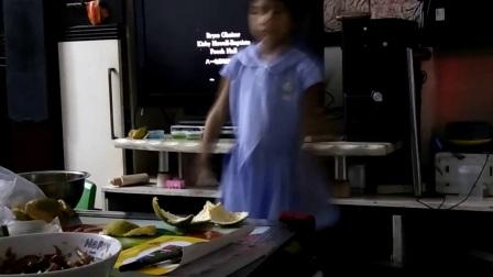 小女孩初音舞蹈