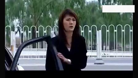 美女总裁视察工地被欺负,自己的保镖不敢动手