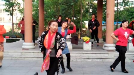 知足常乐舞蹈队晨练练习《等你等了那么久》