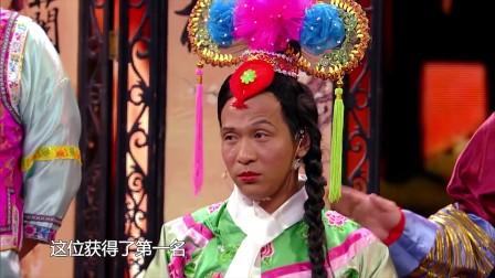 宋小宝太搞笑了,把和他一起演出的美女都被他
