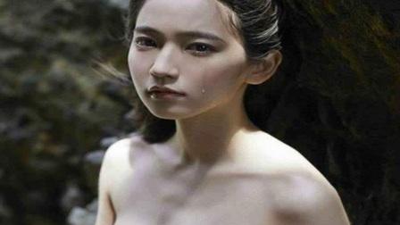 日本90后女星流泪拍时尚写真,这眼神让人心都碎